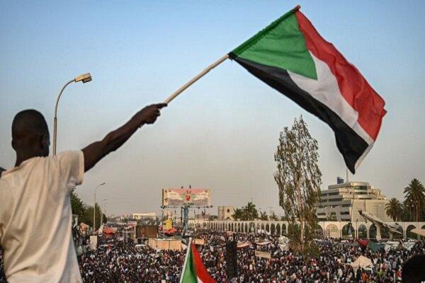 توافق میان شورای نظامی و مخالفان سودانی، تعلیق موقت نافرمانی مدنی