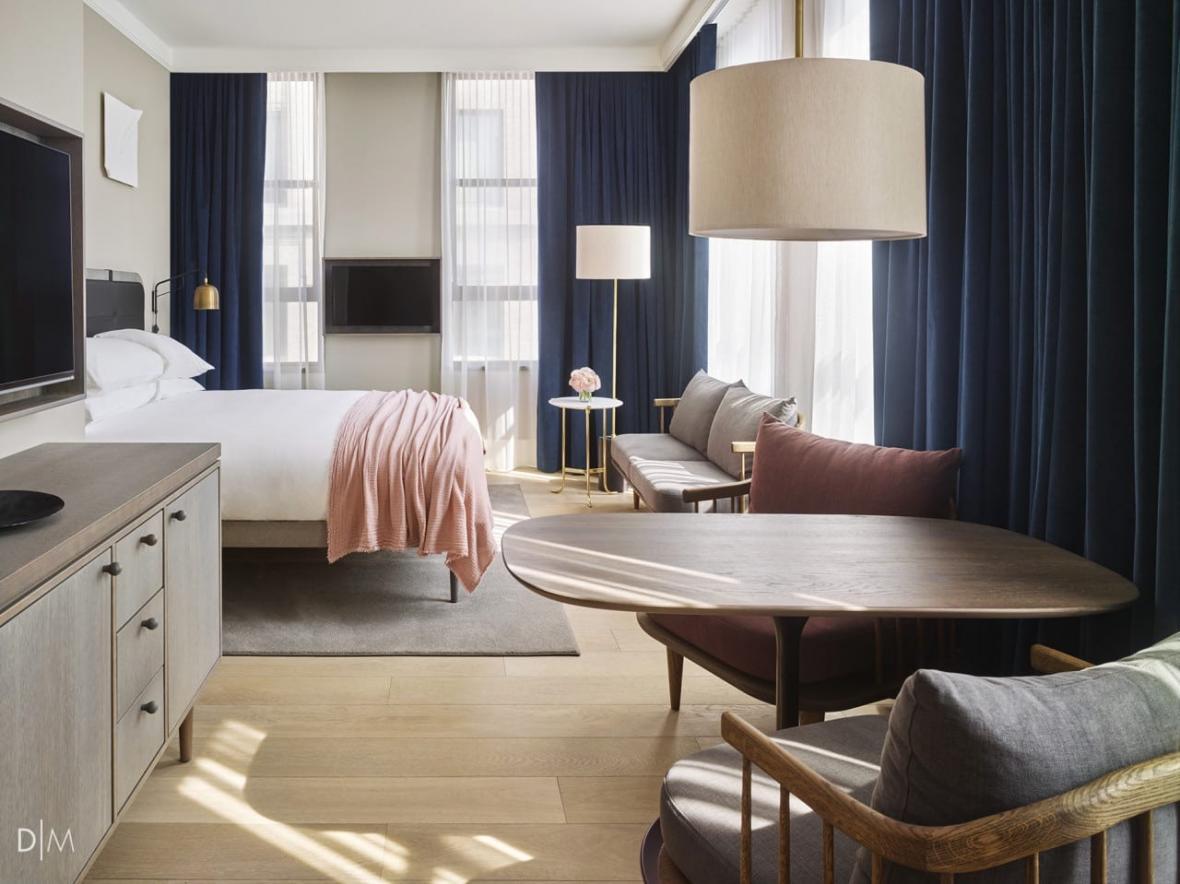 طراحی دکوراسیون داخلی صمیمانه هتلی در نیویورک
