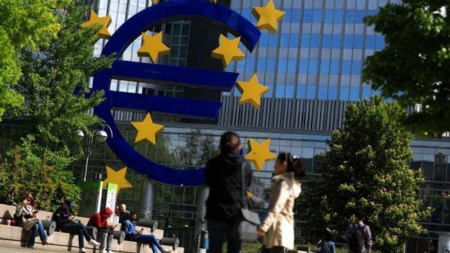 تداوم افول رشد مالی منطقه یورو در سومین سال متوالی