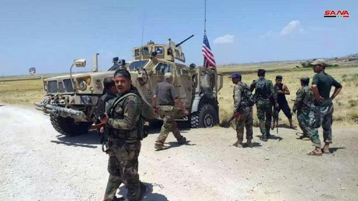 ارتش سوریه بار دیگر جلوی عبور خودرو های نظامی آمریکا را گرفت