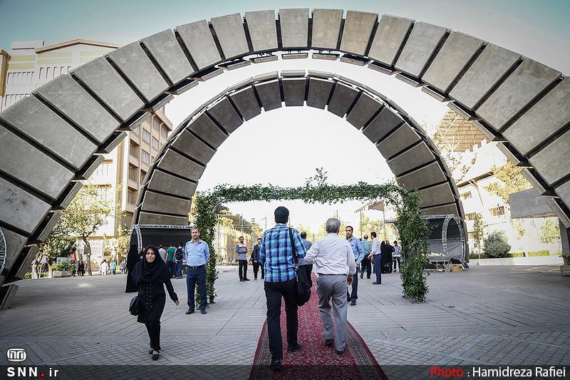 کارگروه های تخصصی برای فراوری محتوا و نحوه عرضه آن در فضای مجازی در دانشگاه ها تشکیل گردد
