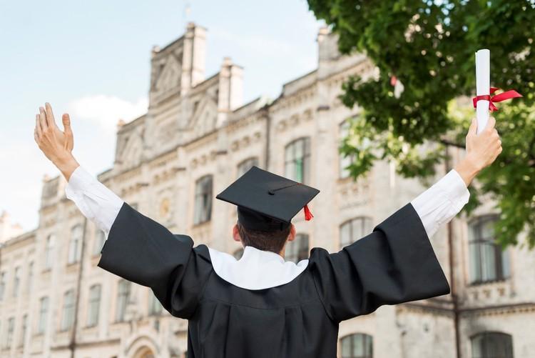 امکان پذیرش تحصیلی رایگان برای تحصیل در خارج فراهم شد