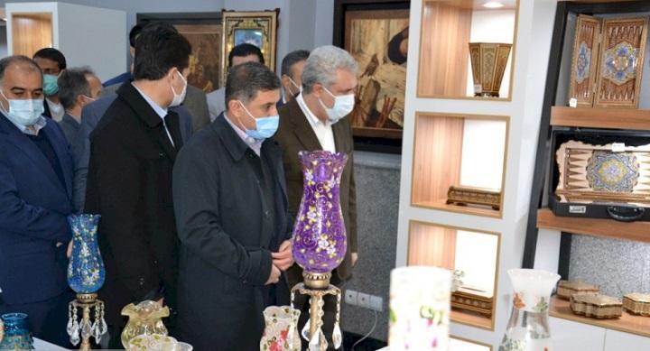 نخستین نمایشگاه دائمی صنایع&zwnjدستی البرز با حضور دکتر مونسان افتتاح شد