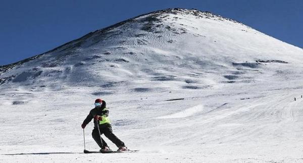 گرفتاری 100 کوهنورد در توچال و ریزش بهمن در فشم