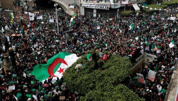 دومین هفته تظاهرات در الجزایر