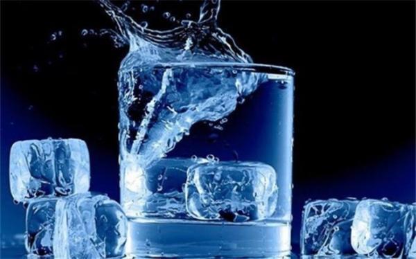 با نوشیدن آب کرونا را درمان کنید