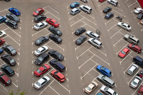 تور کانادا: بعضی از پارکینگ های تورنتو، قبض جریمه بالاتری دارند