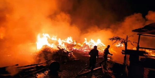 آتش سوزی مهیب در اسلامشهر خسارت جانی نداشت